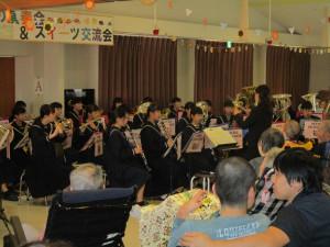 瀬高中学校吹奏楽部の演奏
